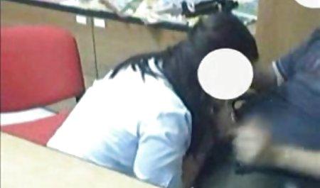 Hot pirang mengisi dirinya dengan mainan film bokep xxx barat pada webcam