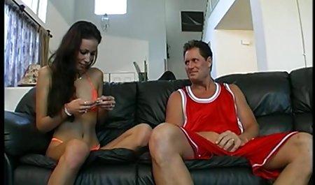 Hot Cewek Seksi Dengan Payudara Yang Besar, Finger Fucks Her bokep barat terbaik Pussy
